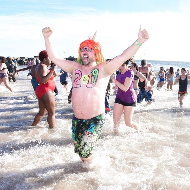 The Coney Island Polar Bear Plunge 2019! I had a lot of fun covering this! Read all about it here: https://patch.com/new-york/new-york-city/coney-islands-polar-bear-plunge-2019-best-moments-photos  #coneyisland #coneyislandpolarbearclub #polarbearswim #polarbear #polarbear2019 #newyearsswim @polarbearclub
