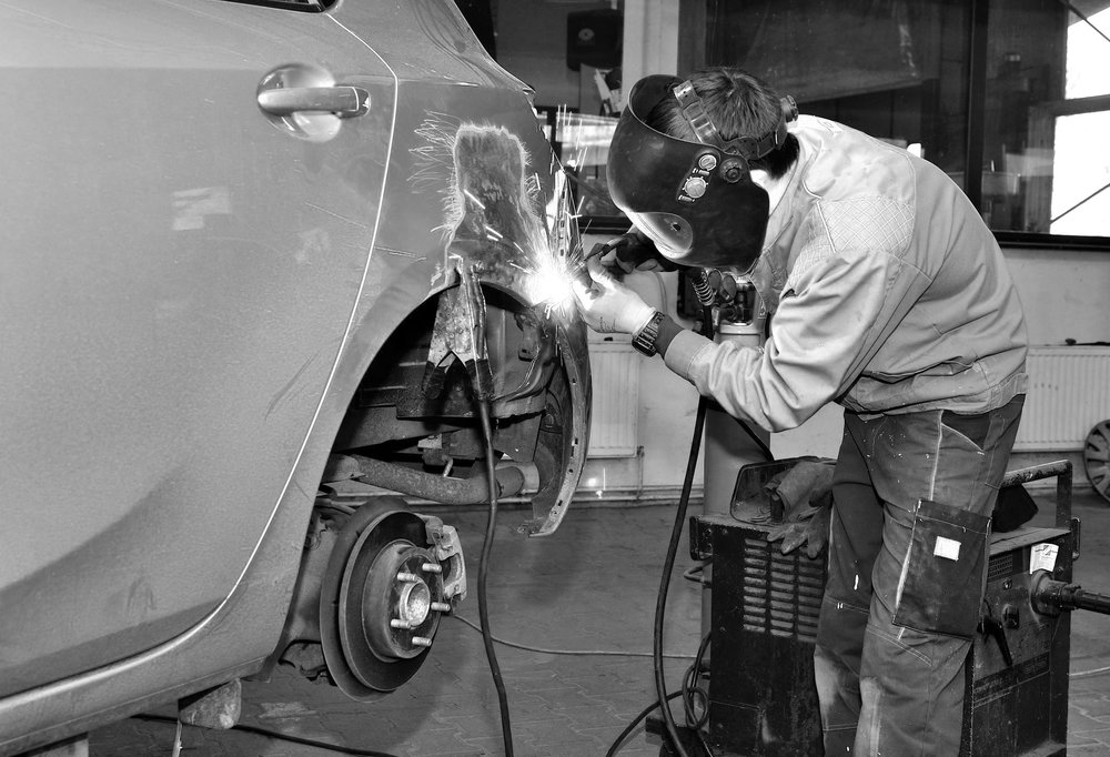 Using thelatest welding equipment for aluminum, brass, steel, plastic repairs at body shop houston