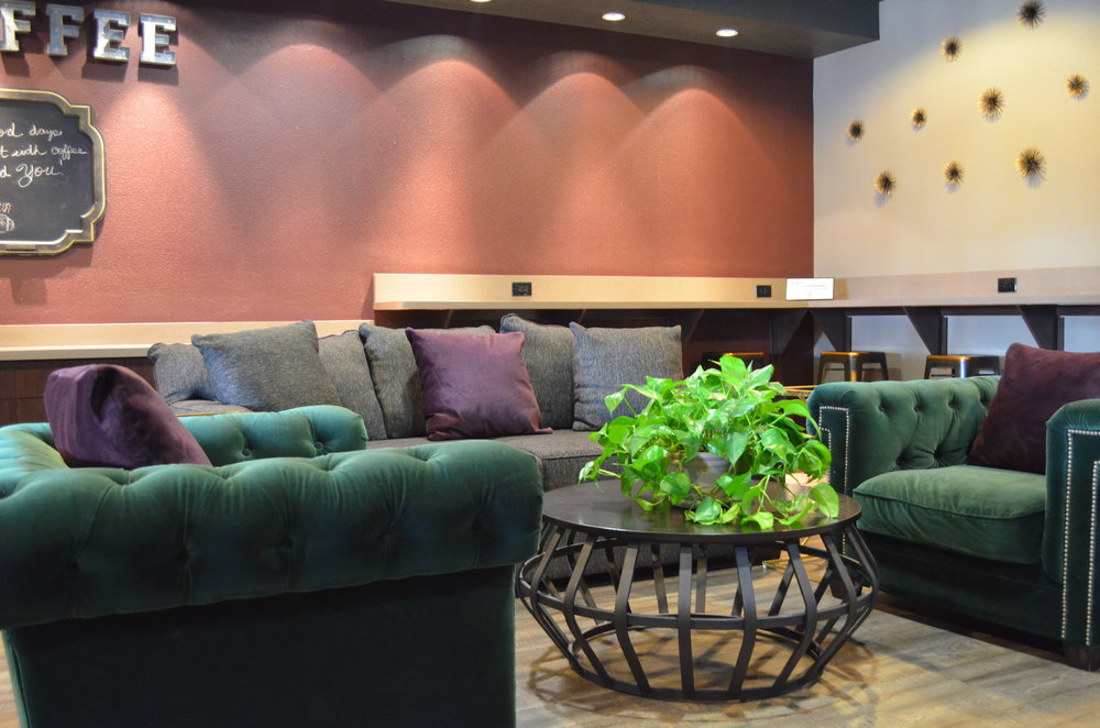 Lounge area at Madison Park Apartments