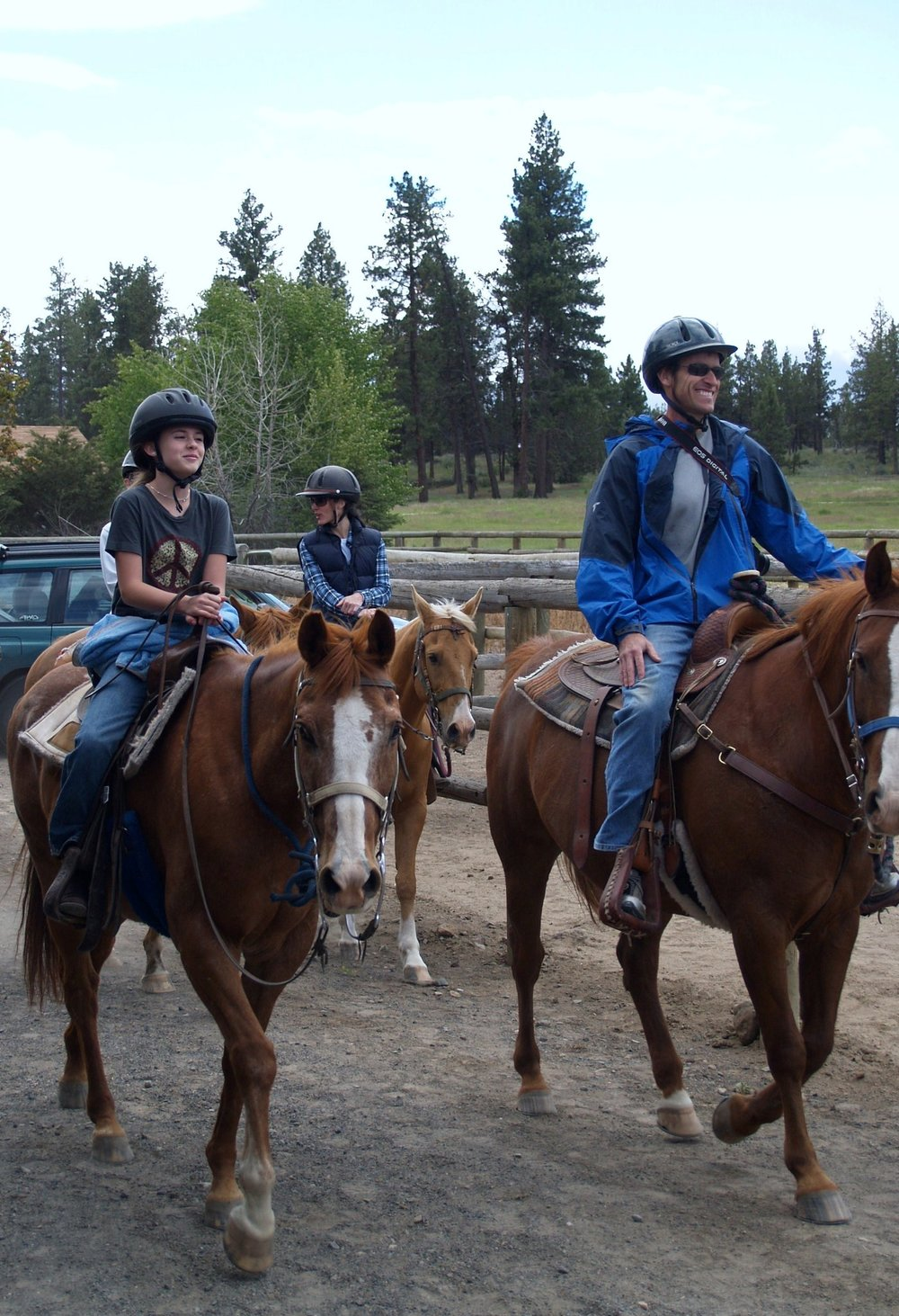 trail-ride-group-1.jpg