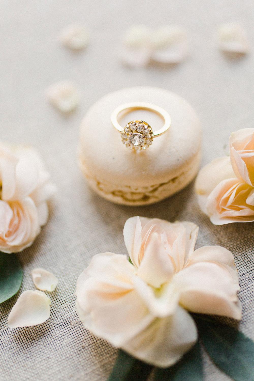 Photo    Martha Pimentel    / Rings    Trumpet & Horn    / Macaron    Bottega Louie    / Flowers XO Bloom