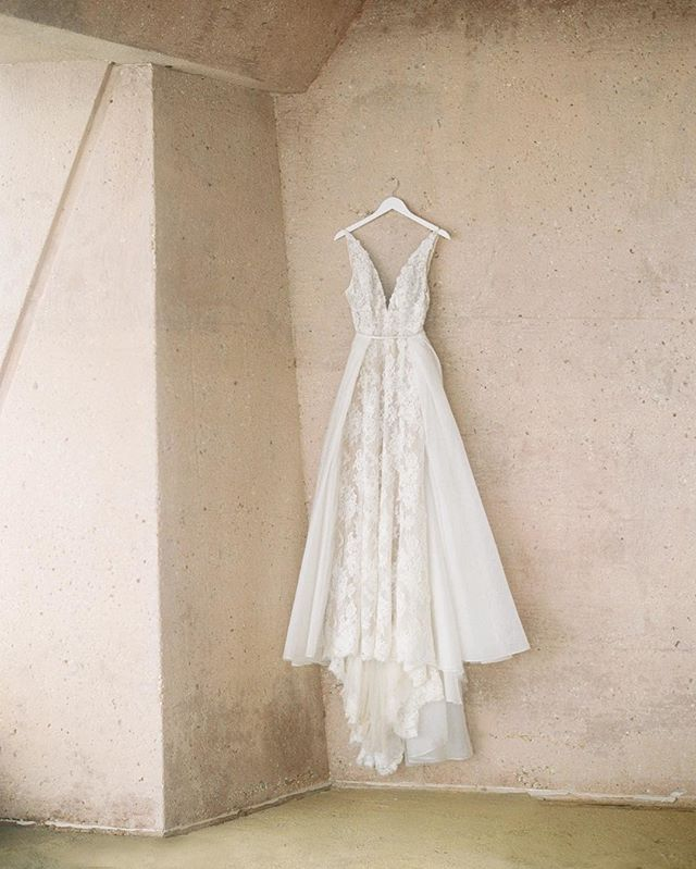 How gorgeous is this @jennyyoonyc dress?!! ✨Tag a friend looking for wedding dress inspiration.⠀⠀⠀⠀⠀⠀⠀⠀⠀ .⠀⠀⠀⠀⠀⠀⠀⠀⠀ Photographed by @thismodernromance ⠀⠀⠀⠀⠀⠀⠀⠀⠀ .⠀⠀⠀⠀⠀⠀⠀⠀⠀ .⠀⠀⠀⠀⠀⠀⠀⠀⠀ .⠀⠀⠀⠀⠀⠀⠀⠀⠀ #Repost #WeddingDress #Beautiful #WeddingDay #Pretty #GownGoals #IDo #BrideVibes #SoGood #Beauty #Bride #Wedding #LoveThis #LosAngelesPhotographer #LABride #LAWedding #LACouple #LABrides #LosAngelesBrides #LosAngelesBride #Weddings #ModernBride #ChicBride #BrideGoals #LaceDress #ThatsDarling #Yes #Cheers