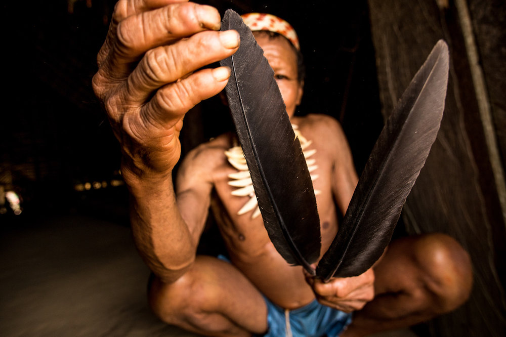 Arrow making is an art passed down through ancestral memory, later in this report we follow the full process.