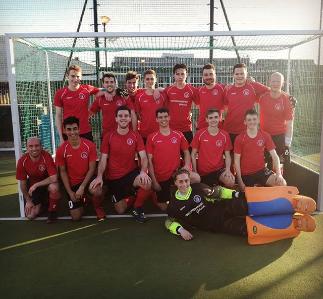 Great effort by our Men's 2s this past weekend! 4-1 victory vs @eastcote_hockey_club 2s put them through to the Semi-finals! Well done lads!💪🔓🔝 #OxtedHC #fieldhockey #qualified #semifinal #playoffs #quality #hardwork #determination #team #clubculture