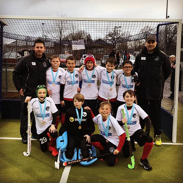 Very proud of the U12 boys today, finishing 3rd in the @SurreyHockey Cup. Super effort and determination by the young lads Thanks to Surrey organisers! 📈🔝🏑 #OxtedHC #fieldhockey #Juniors #Surrey #bronzemedal #hardwork #passion #enjoyment #clubculture #growth #development #quality #champs