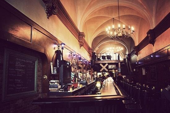 grand-trunk-pub-2-min.jpg