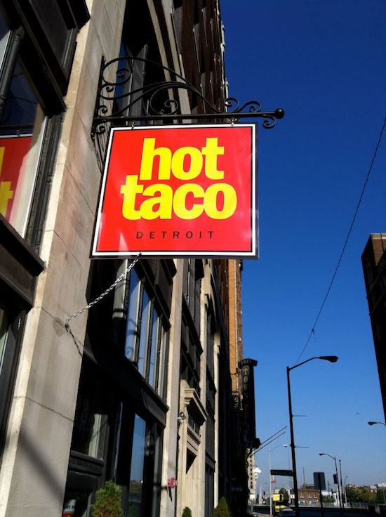 in-the-kitchen-with-muff-hot-taco-min.jpg