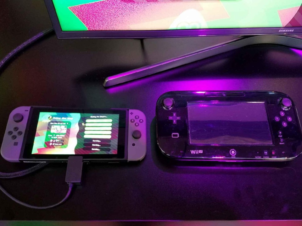 The Switch gamepad next to the Wii-U gamepad. As you can see, the colors on the Switch are vibrant and the screen is bright.