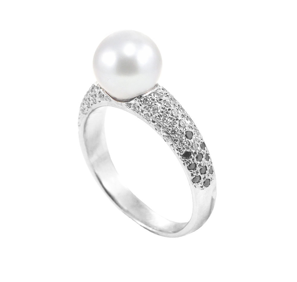 Cultured Pearl with Black and White Pave Diamond Ring close up.jpg