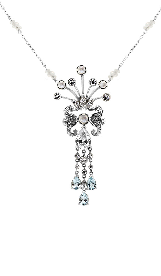 Seahorse Necklace worn by Robin Tunney in the Film  Paparazzi