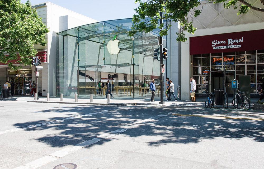 University Ave-Apple Store.jpg