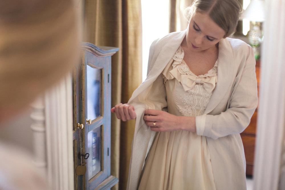 La robe luxury silk lining linen dressing gown regency walking coat jacket.jpg