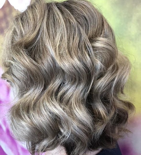 Beautiful waves for the weekend. Is everyone else's weekend as busy as ours?  Have a great one... @hotlocs . . . . . @lorealpro  #weekendhair #beautifulclients #loveyourself #lovewhatwedo #amazing #results #awesomenesstv