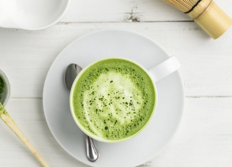 Matcha-latte-tea-helloworkwell