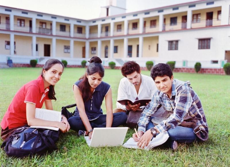 international-students-studying.jpg