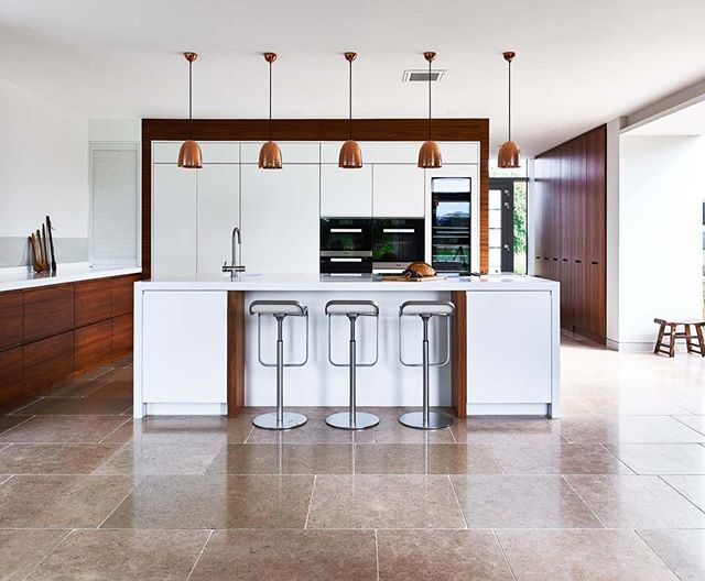 Epic kitchen by Cheverell, such great finishes on the wood and beautiful design.