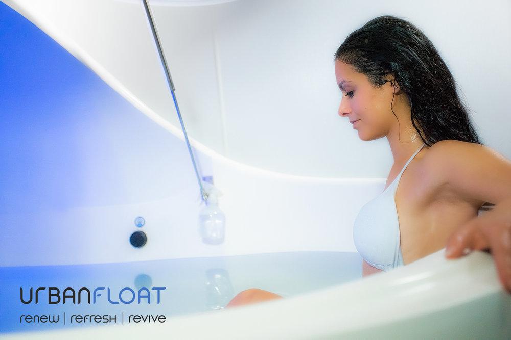UrbanFloat-Floating-Woman-Fitness-Karleena-2.jpg