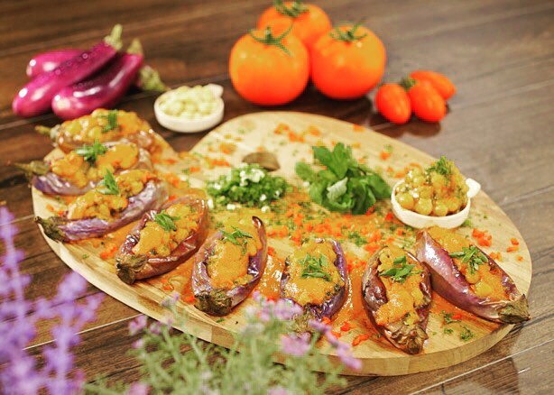 【Baked Eggplant with Chickpeas 】・ Awake your taste buds with these luscious baked eggplant and chickpeas combo. *********************** 【Ingredients (4 servings)】 ・ Eggplant  8pc Chick Pea  300g Spring Onion  100g Garlic  20g Tomato  300g Tomato Paste  50g Olive Oil  150g AJI-NO-MOTO®  2 tsp Black Pepper  2 tsp Salt  2 tsp Coriander  30g Coriander Powder  1 tsp *********************** ・ 【Directions】 1.  Prep eggplant & season with salt. 2.  Deep fry eggplant with oil around 3-4 minutes & set aside. 3.  Fry spring onion, garlic, tomato, garlic with olive oil. 4.  Season with AJI-NO-MOTO® & salt. 5.  Add in coriander powder, chick pea, coriander, tomato paste & stir evenly. 6.  Fry tomato, tomato paste, garlic & olive oil. 7.  Season with black pepper & AJI-NO-MOTO®. 8.  Add in water, coriander powder & salt. 9.  Blend it to a sauce. 10.  Layer eggplant & chick peas filling. #umamirecipes #umami #recipes#foodrecipes #cook #foodcooking #foodies #foodstagram #foodporn  #ajinomoto #food52grams #cookingram #MSG #eggplant #chickpeas #tomato #garlic #oliveoil #coriander #deliciousness #msgisumami