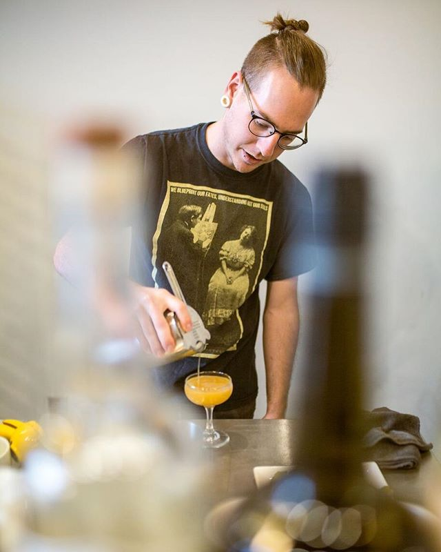 The High Desert 🌵 dinner is selling out. Don't snooze on nabbing those seats. Alex of @blankcoffeefood has come up with some fantastic drinks to pair with @bonbon_bombardier four course dinner. Hope to see you there. 📷@Samuelyongbo  Tickets available at BlankHighDesert.eventbrite.com