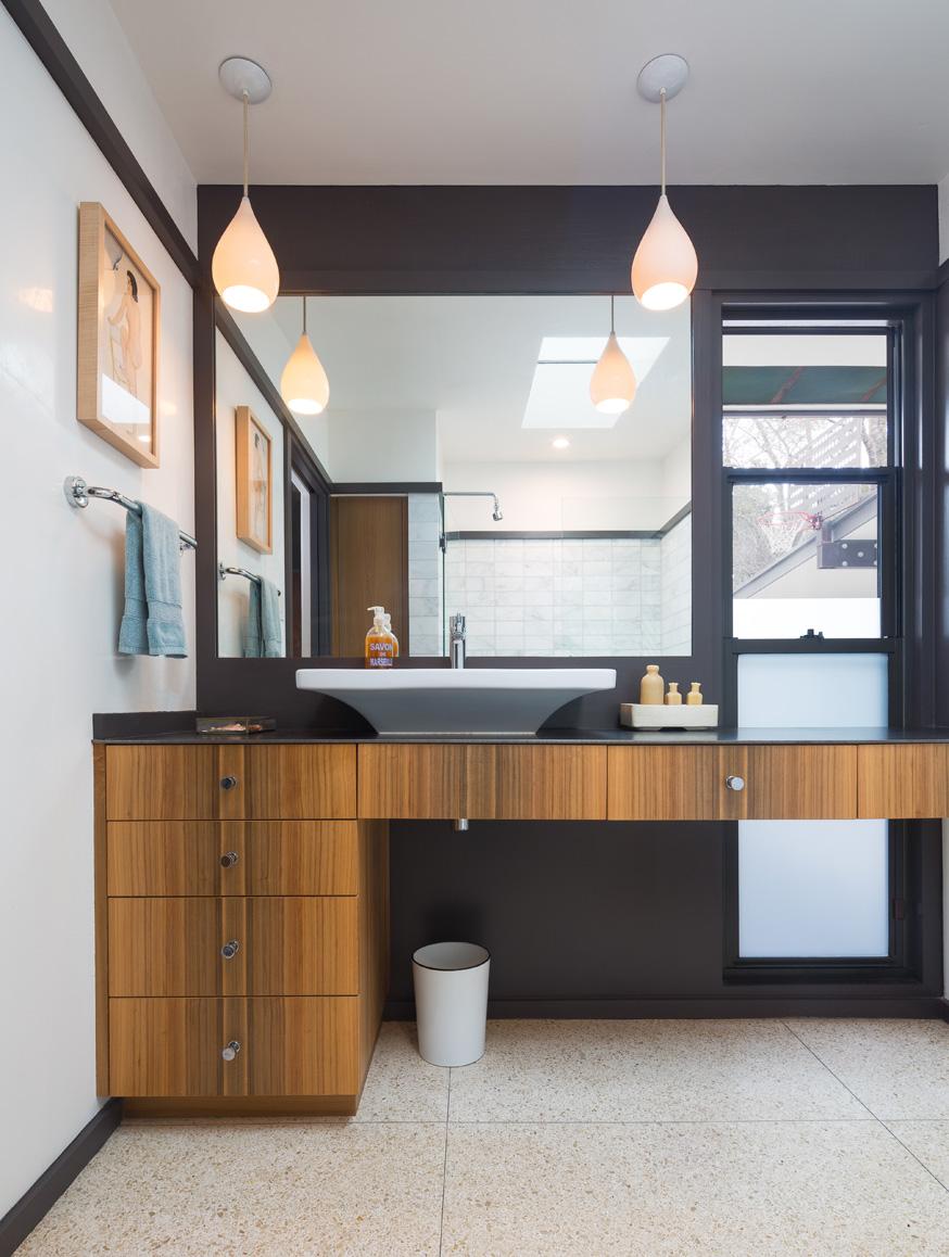 Bathroom: Leonid Furmansky Photography