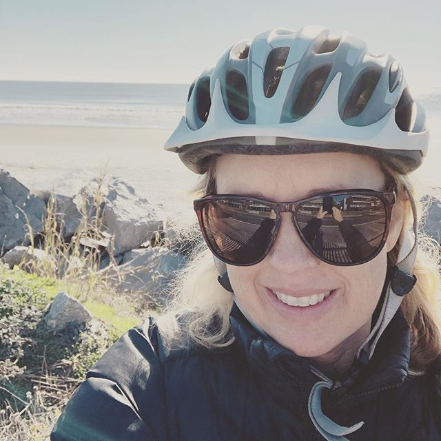 Holiday therapy!! 🚴‍♀️ Happy holidaze  y'all!!