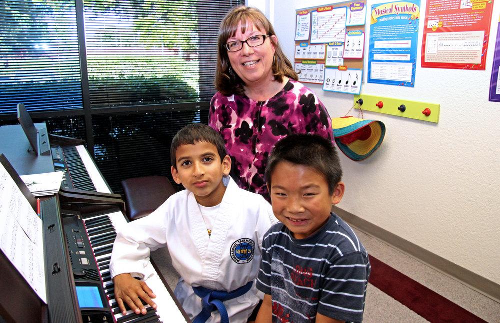 Debbie_piano_IMG_3136_group.jpg