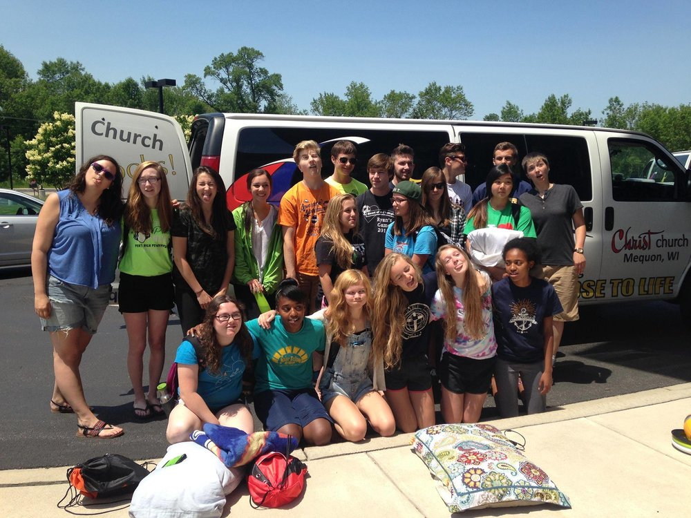 YouthMissionTripGroup.jpg