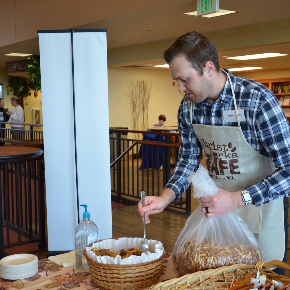WELCOME & HOSPITALITY   Coffee, snacks, and smiles