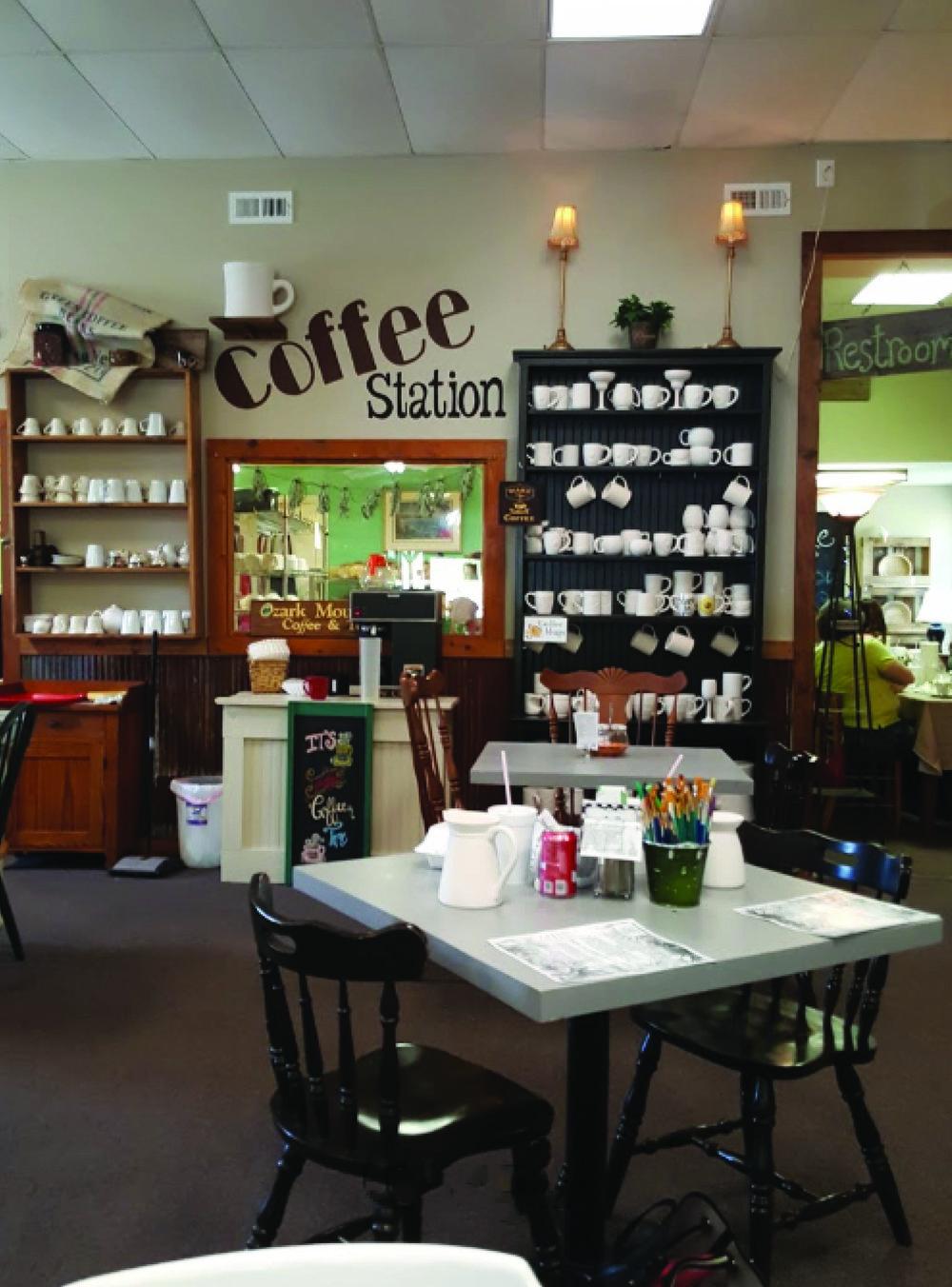 Village Pottery Cafe Republic, Mo