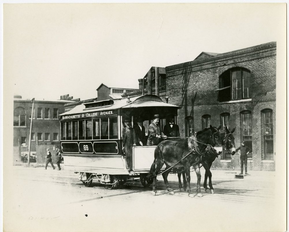 Massachusetts & College Avenue Mule Car No. 69 traverses Indianapolis in 1910. Ray Hinz Collection.