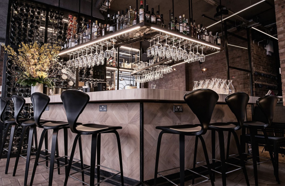 "BEAULIEU PARQUET ON BAR IN ""BLANCHE""  - LONDON - COVENT GARDEN - ATELIER WEST"