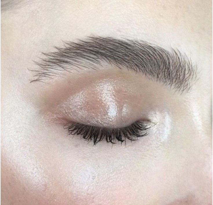 Organic Rosehip oil used as a natural highlight on the eyelid. Eco friendly makeup tips by Kellsie Bain