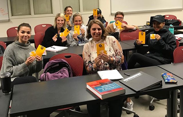 Fun times talking kindness and social value with students at @uofcincy!❤️ #college #students #UC #hottestcollegeinamerica #positivemessages  #spreadhappiness  #igiveaduck  #whogivesaduck  #socialwork #socialworklife