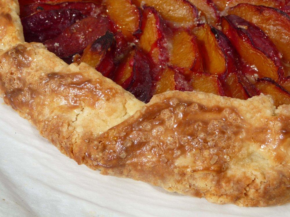 The plum tart complete!