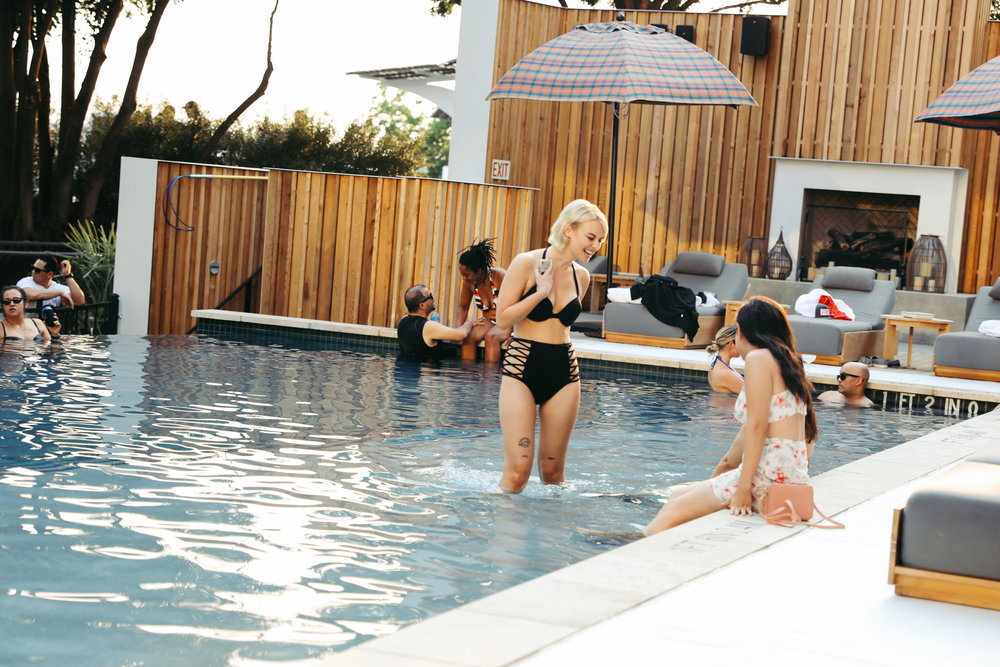 LINE_poolparty_D__24.jpg