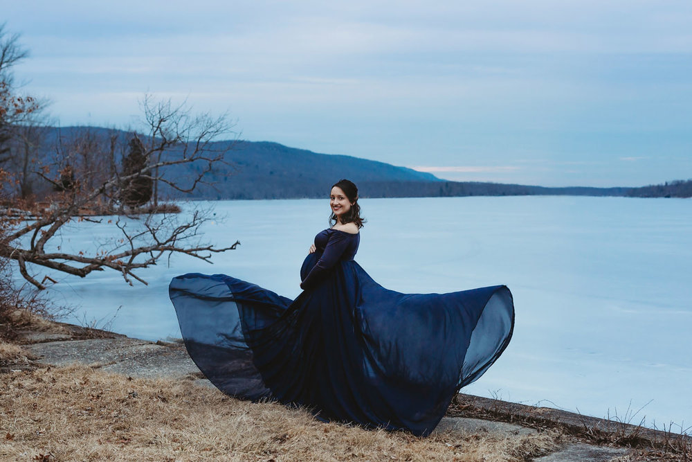 Winter Maternity Session by a New Jersey Lake