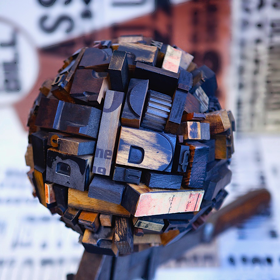 ron-miriello-grafico-san-diego-100-worlds-project-sculpture-globe-Miriello-branding-officina-16.jpg