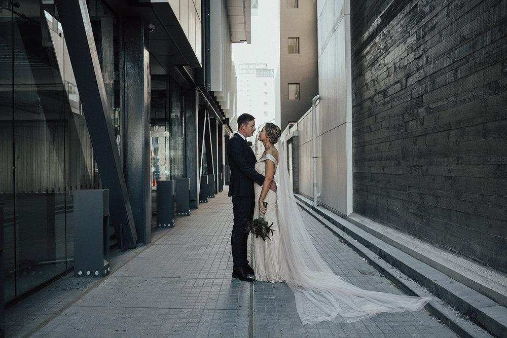 Elizabeth_may_bridal_Ché&BrianSneakPeek-7.jpg