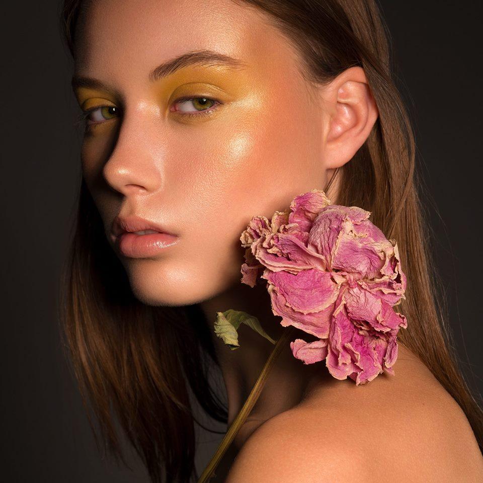 Chanelle Van T Veen Make-Up