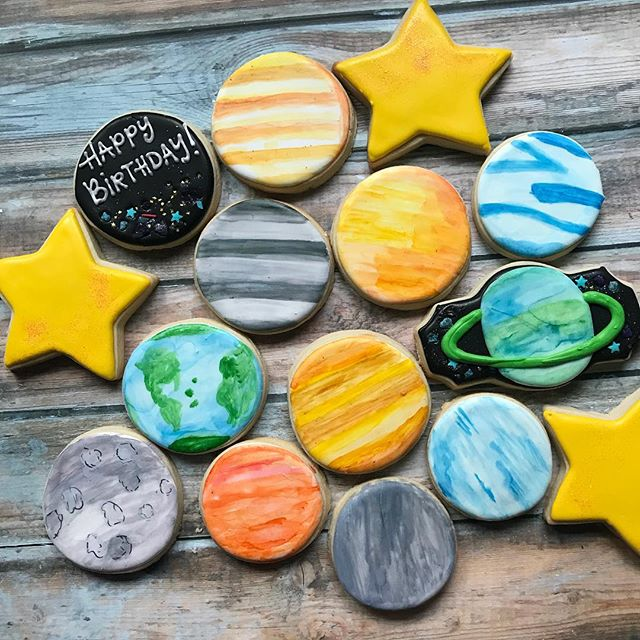 Happy birthday to a planet loving three year old! Such a fun theme! 🌎🌞⭐️🌖