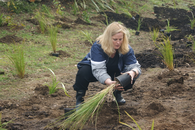 Minister Upston wasn't afraid to get her hands dirty either!