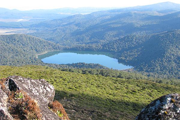 Lake_Rotopaunamu.jpg