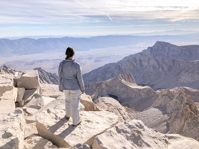 Mt. Whitney has a special place in my heart. Mt. Whitney was my first altitude hike, my first camping trip and the first mountain to kick my butt. I had altitude sickness on my first try so I didn't summit. We camped at Outpost Camp and around 1 or 2am I woke up, walked out of the tent to the peaks around me glowing under the full moon and I was hooked. This was the moment I fell in love with the outdoors. Here I've also seen some of the most beautiful sunrises time and time again, I love watching this mountain light up pink in the morning light, especially after hours of hiking in the dark. This also isn't a walk in the park, but with the right training, preparation, and letting your body acclimate (this one is so important), this a totally doable hike in the summer months. So if you're hiking this 14'er this summer or it's on your list for future years, I've written a trail report to help you get a better understanding of the trail. Link in bio. 🥾⛰