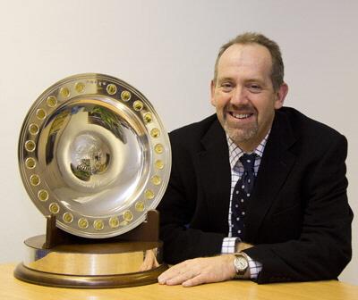 a_RSC-bicentenary-trophy-2010-Geoff-Simm.jpg