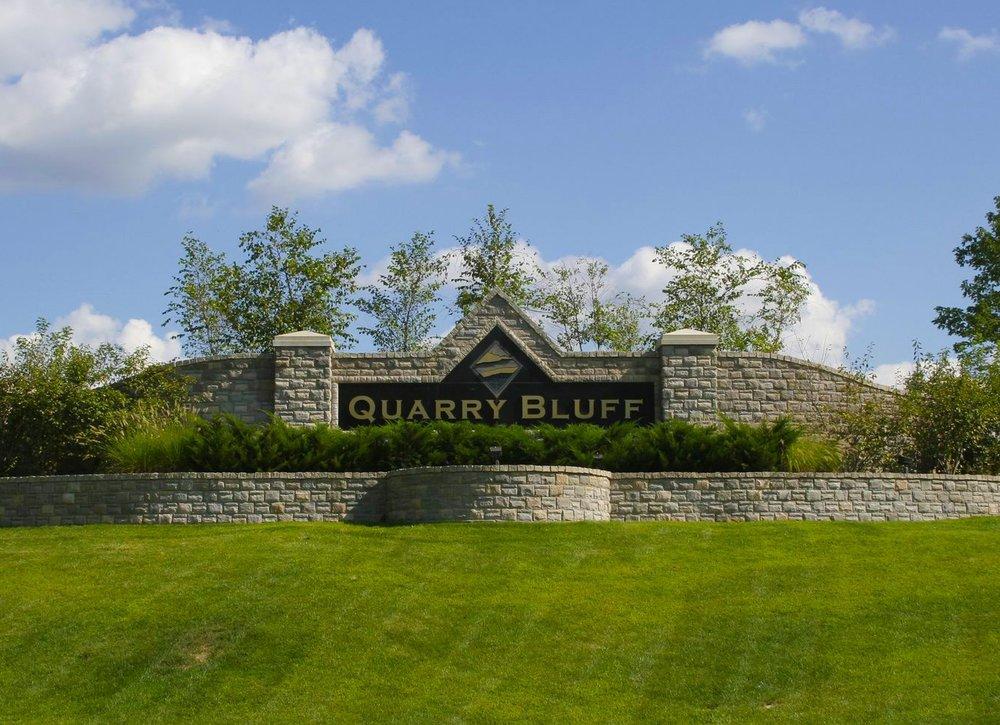 quarrybluff_entrance.JPG