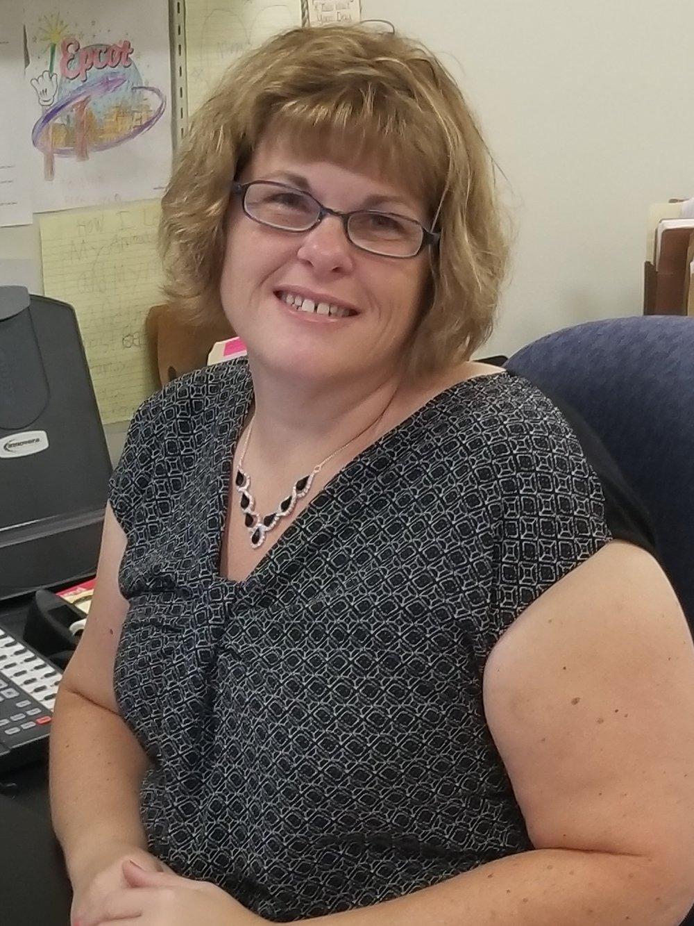 Tina, assistant