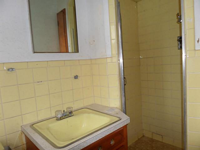 silvermeadow bathroom before.jpg