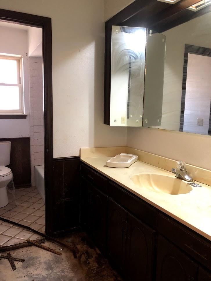bathroom 1 before.jpg