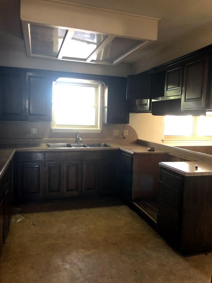 kitchen2 before.jpg
