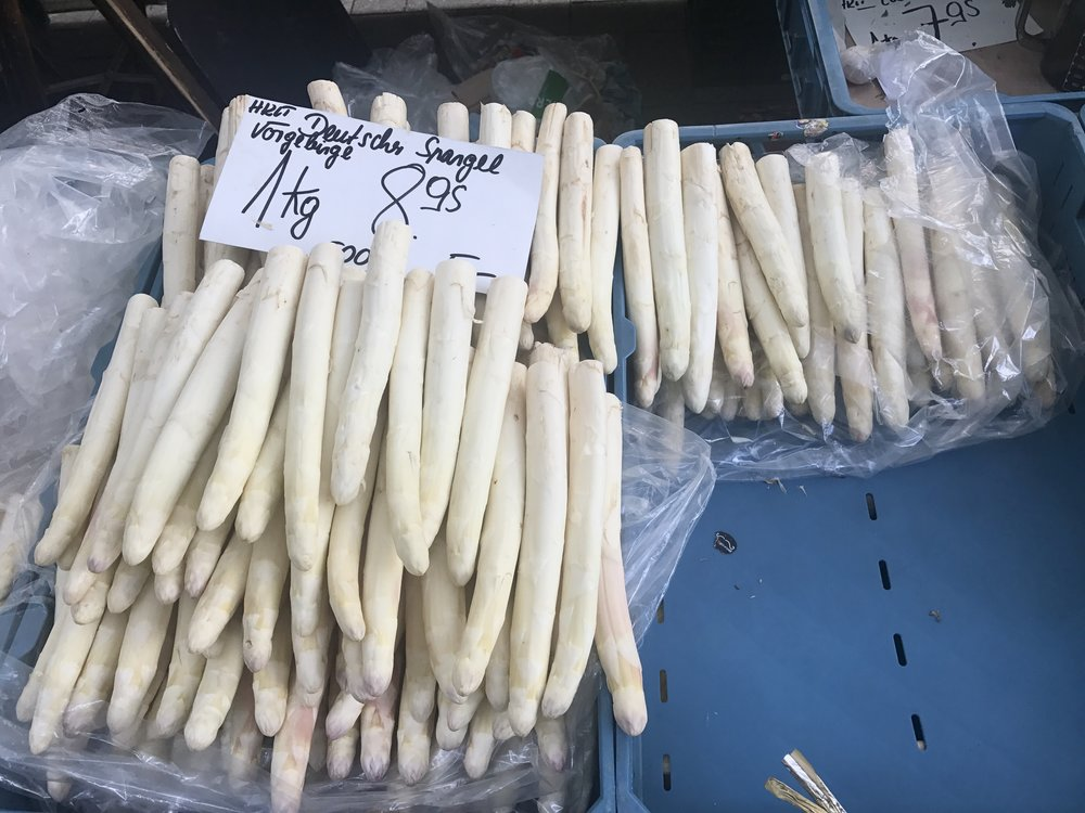 Some white asparagus at a market in Cologne for comparison!